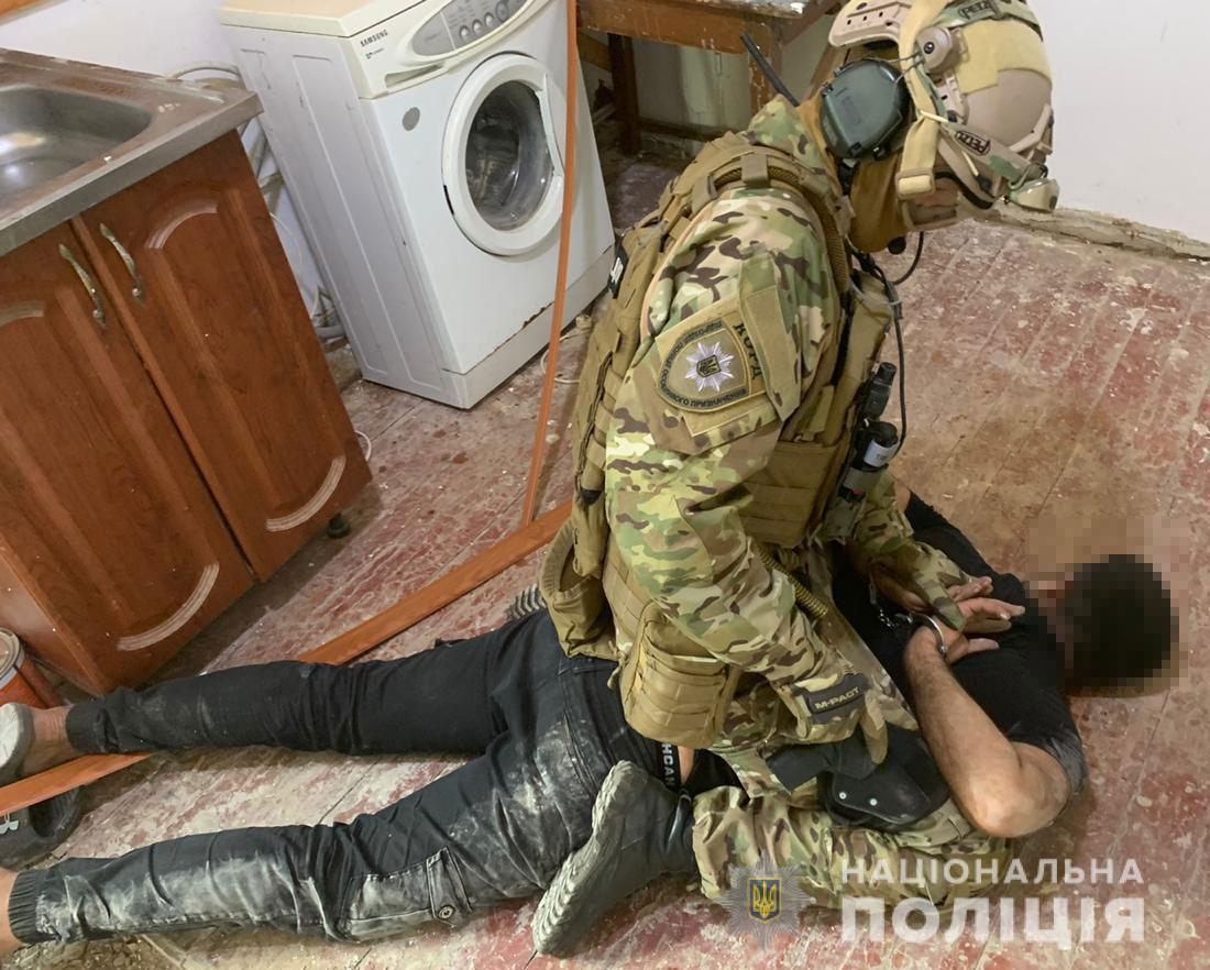 Банда іноземців скоювала розбійні напади на пенсіонерів / фото npu.gov.ua