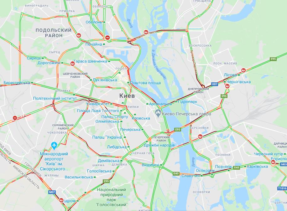 Складна ситуація склалася на мостах / Google Maps