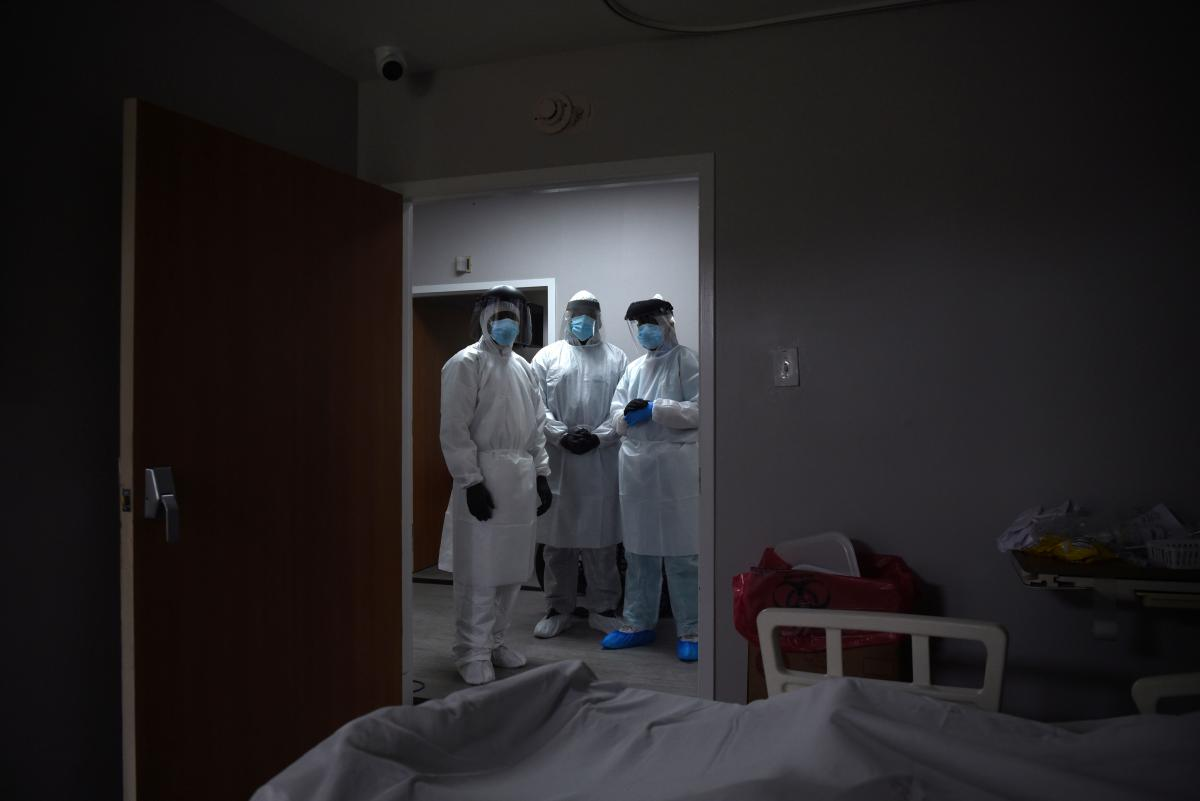 Больницы второй и третьей волны области почти на 90% заполнены пациентами с COVID-19 / фото REUTERS