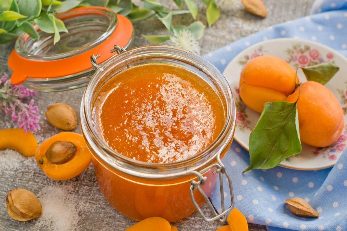 Як готувати варення з абрикосів / фото botanichka.ru