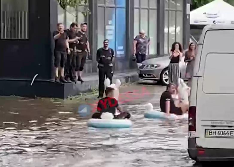 Центр Одессы затопило/ Cкриншот с видео