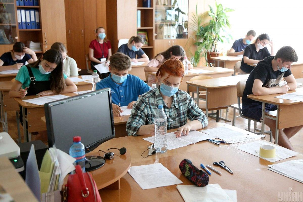 Образовательный омбудсмен Горбачев отметил, что крайне негативно относится к идее отмены ВНО \ фото УНИАН