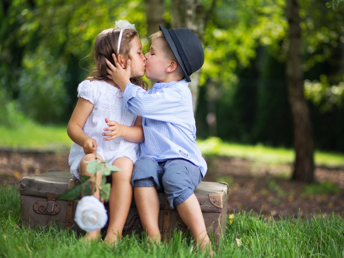 З Днем поцілунку / фото ua.depositphotos.com