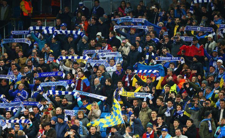 Фанаты в ближайшее время не вернутся на стадионы / фото upl.ua