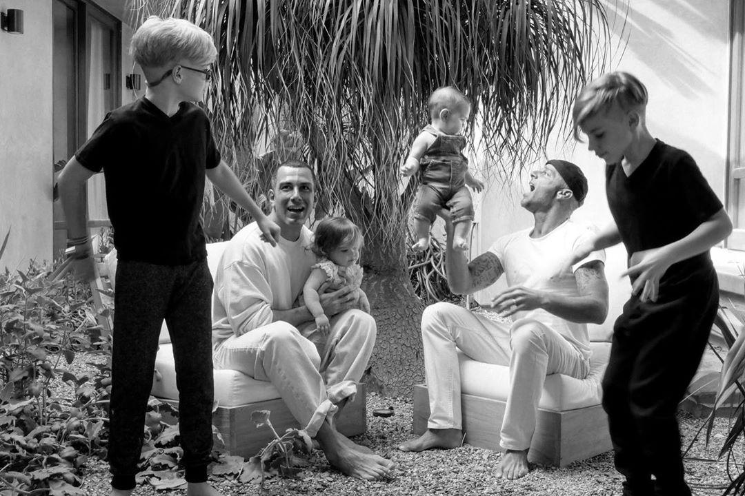 Рикки Мартин с семьей во время карантина / фото instagram.com/ricky_martin