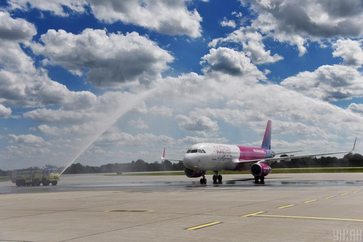 Также авиакомпания открывает 5 новых рейсов / фото УНИАН