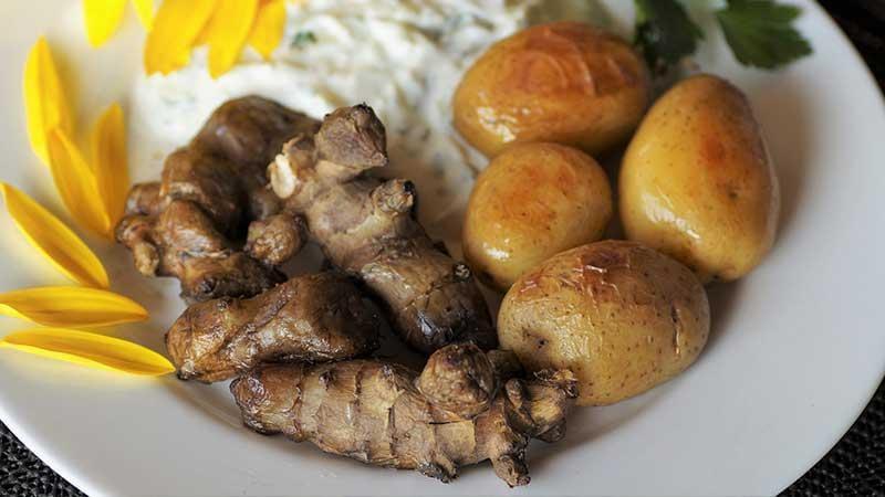 В корнеплоде содержится достаточно фолиевой кислоты и витамина Е / travart.ru