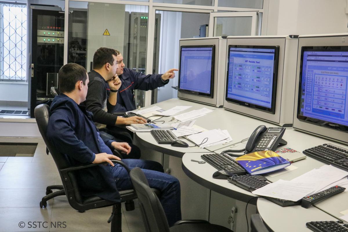 """В Украине запустили установку """"Источник нейтронов"""" / stc.ua"""