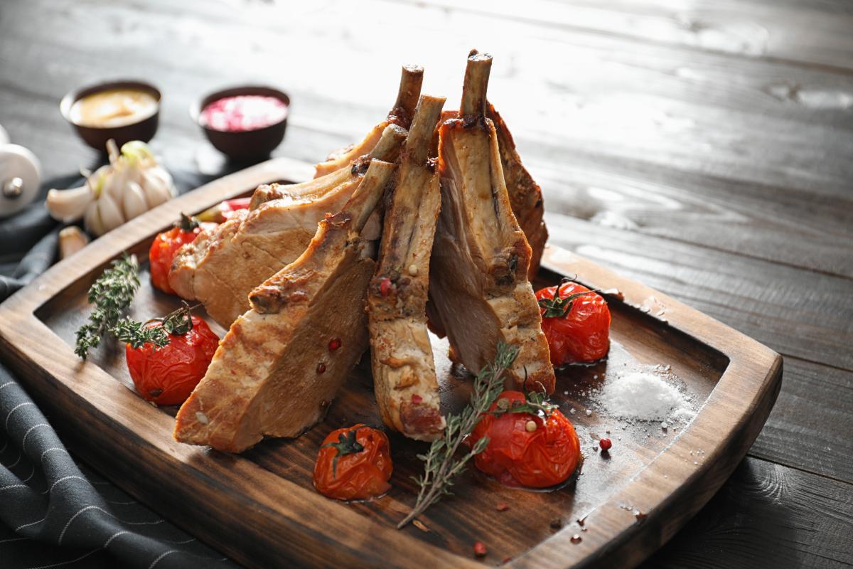 Как приготовить ребрышки в духовке / фото ua.depositphotos.com