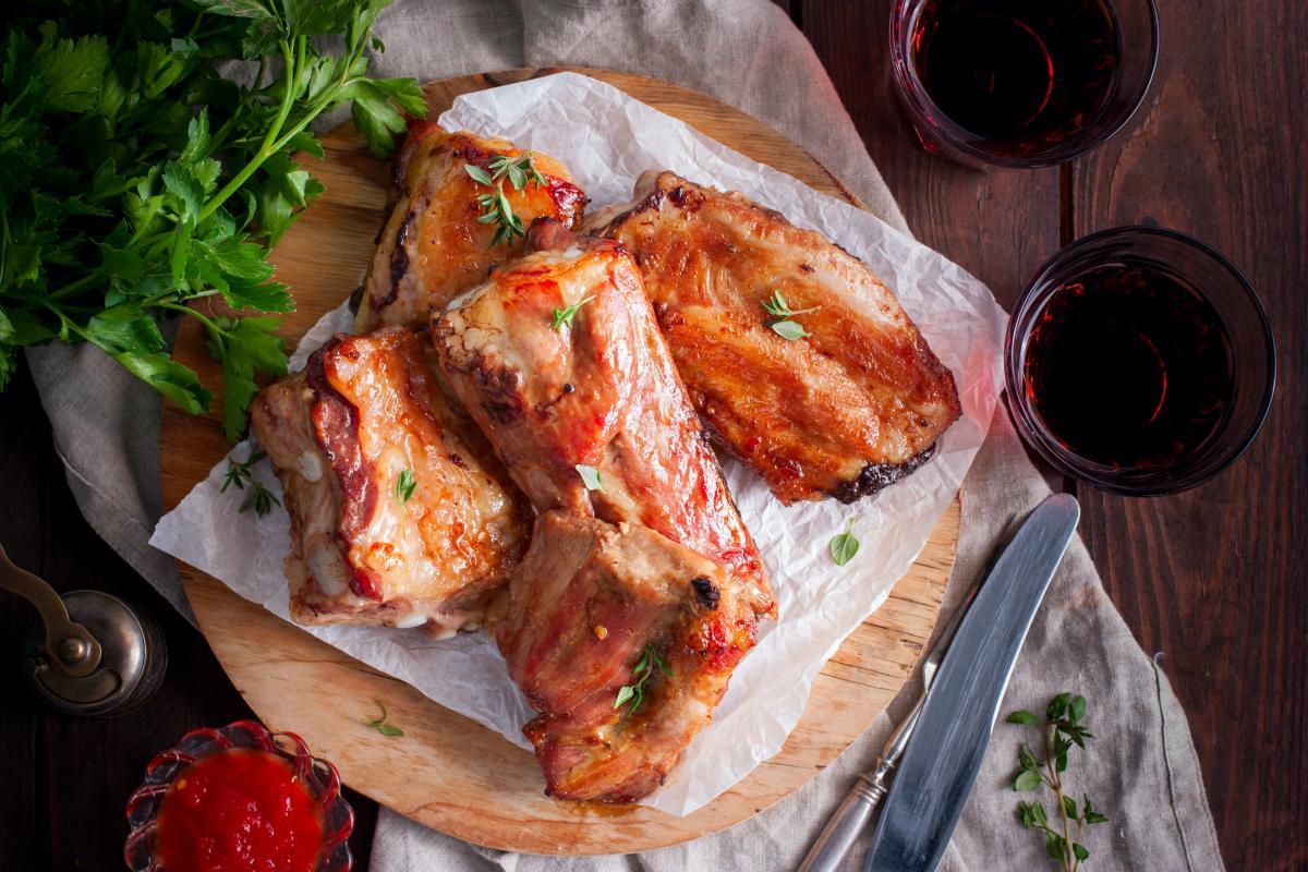 Рецепты приготовления вкусных ребрышек в духовке / фото ua.depositphotos.com