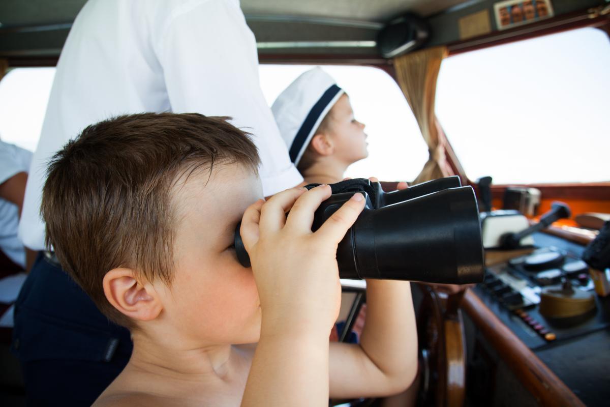 День працівників морського і річкового флоту - привітання / фото ua.depositphotos.com