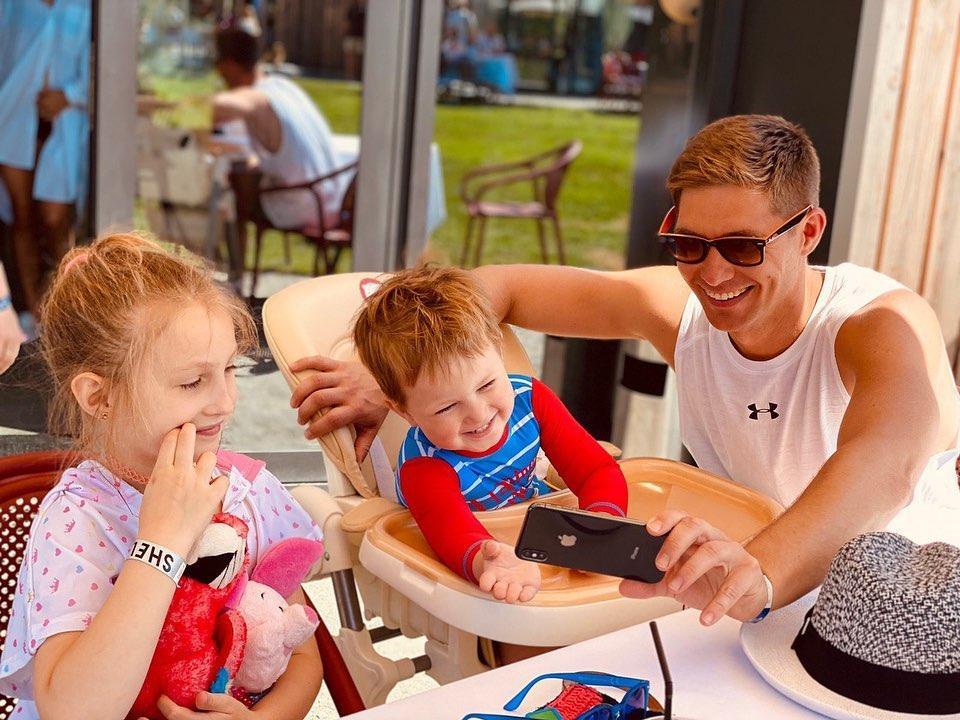 Остапчук зі своїми дітьми / фото instagram.com/vova_ostapchuk