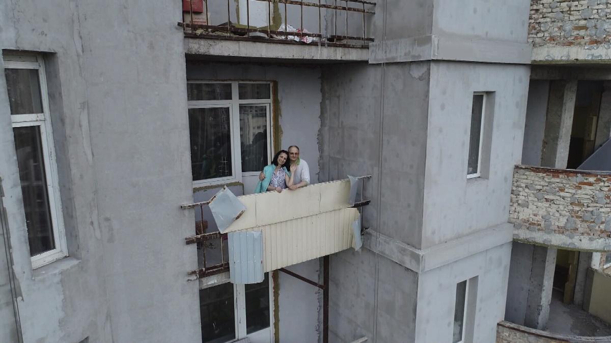 Подружжя Студінських самотньо живе в замороженому будинку