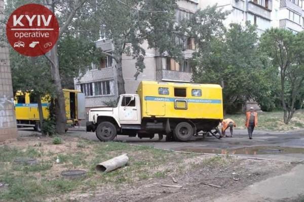Инцидент произошел по адресу проспект Свободы, 5/ фото Киев оперативный
