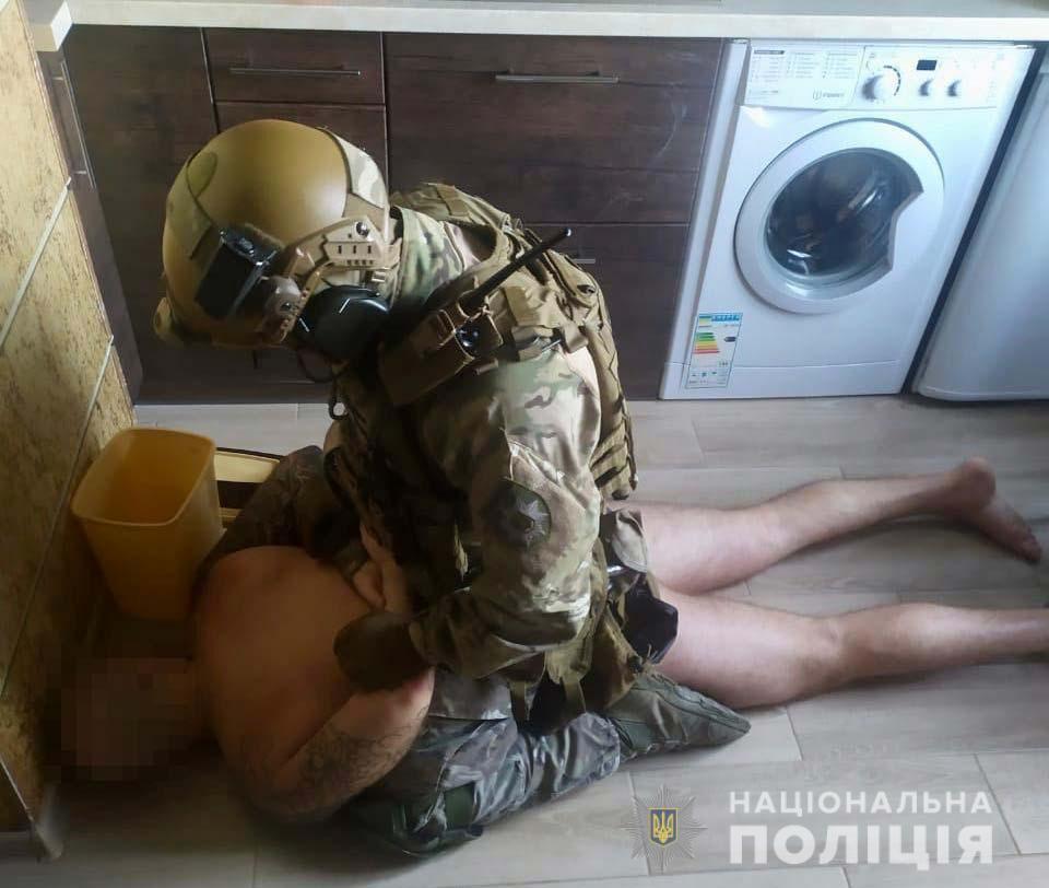 Поліція затримала10 осіб/ фото dp.npu.gov.ua