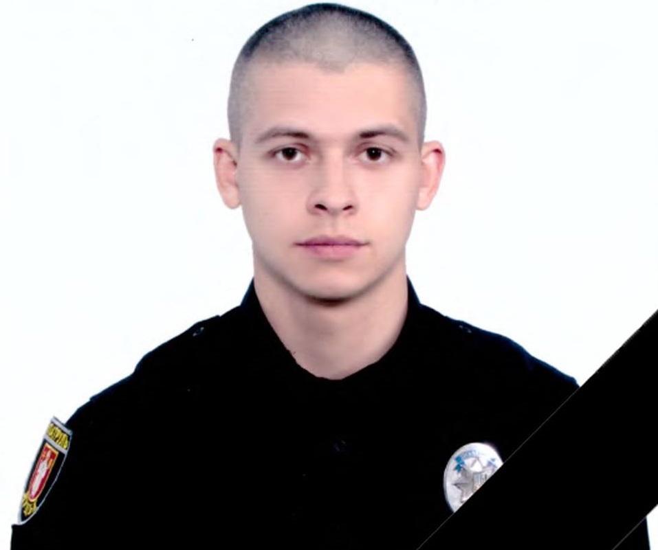 Патрульний отримав травми, які виявилися несумісними з життям / фото Патрульна поліція Волинської області