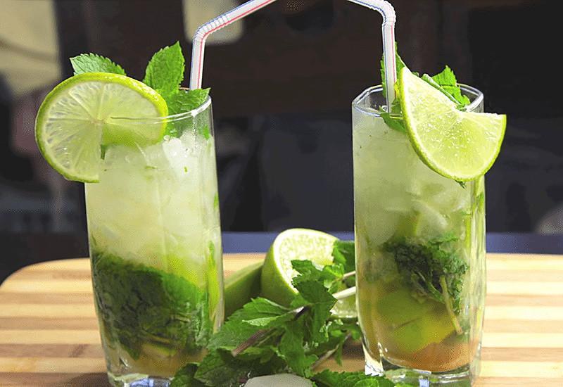 Безалкогольный мохито способен отлично охлаждать в ленюю жару / all-cook.com