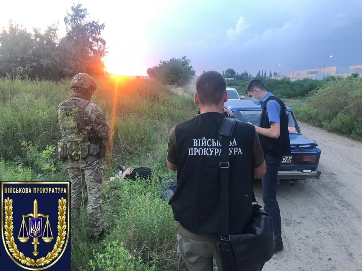 Военнослужащий наворовал боеприпасов и хотел их продать / Офис генерального прокурора