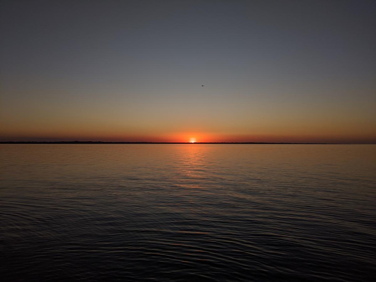 В Затоке невероятные закаты / фото Варвара Вайс
