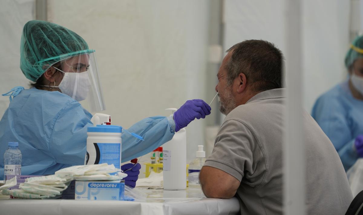 Ученые: иммунитет ккоронавирусу может резко снизиться затри месяца