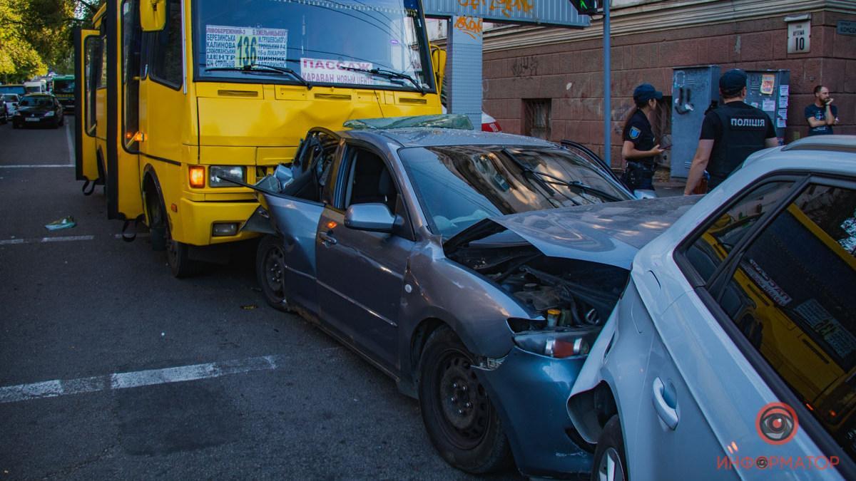 У результаті ДТП пошкоджено 4 транспортних засоби / фото Інформатор