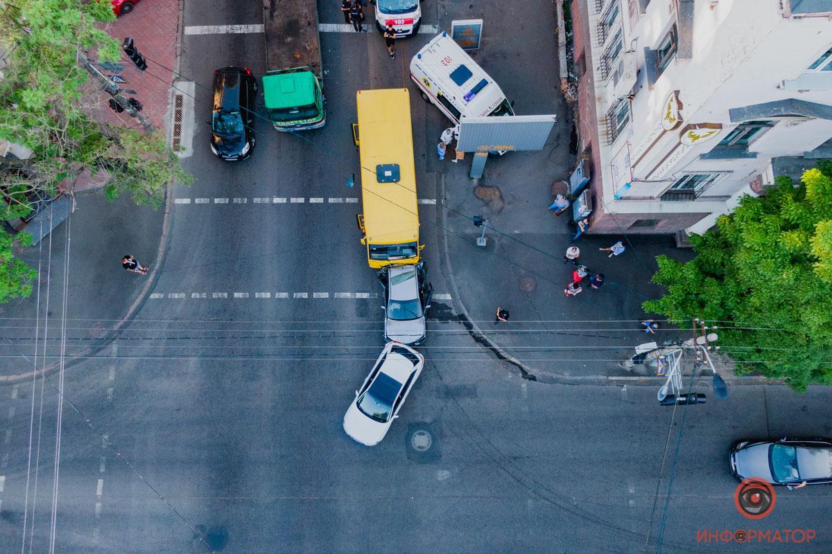 ДТП спровокувало величезний затор / фото Інформатор