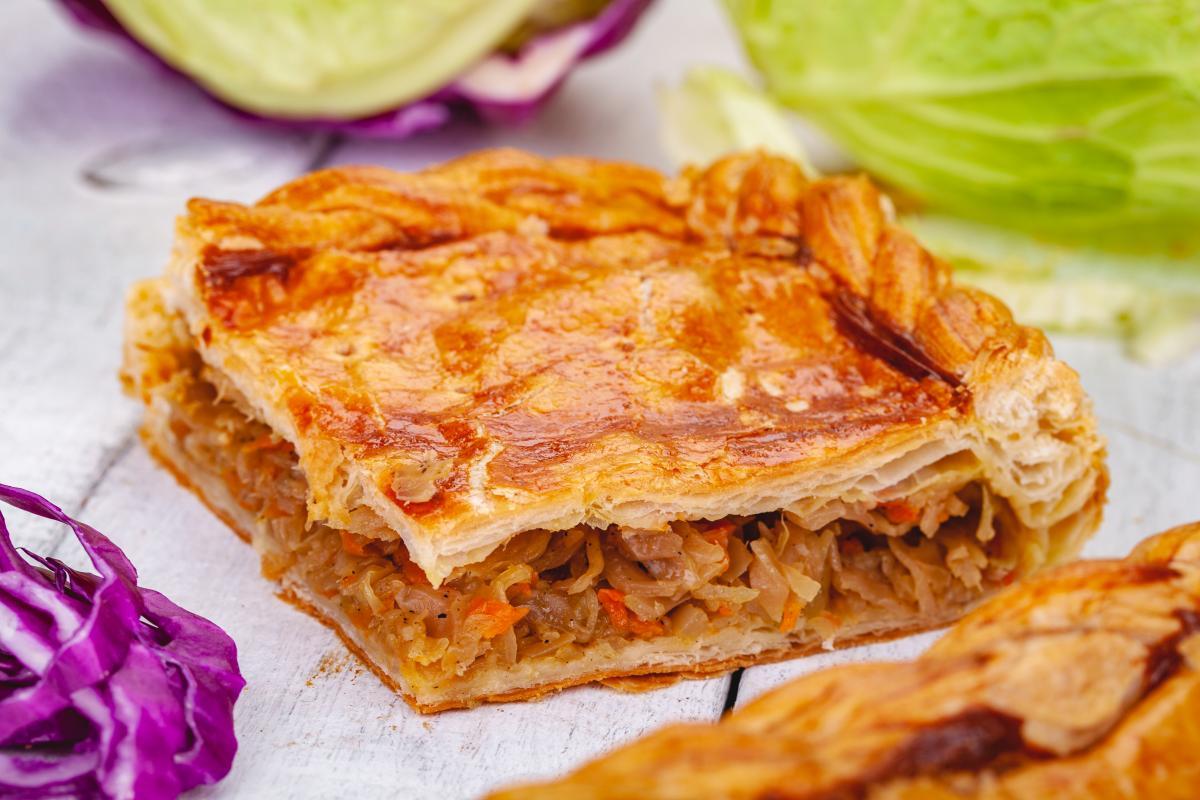 Сочный пирог с капустой - рецепт / фото ua.depositphotos.com