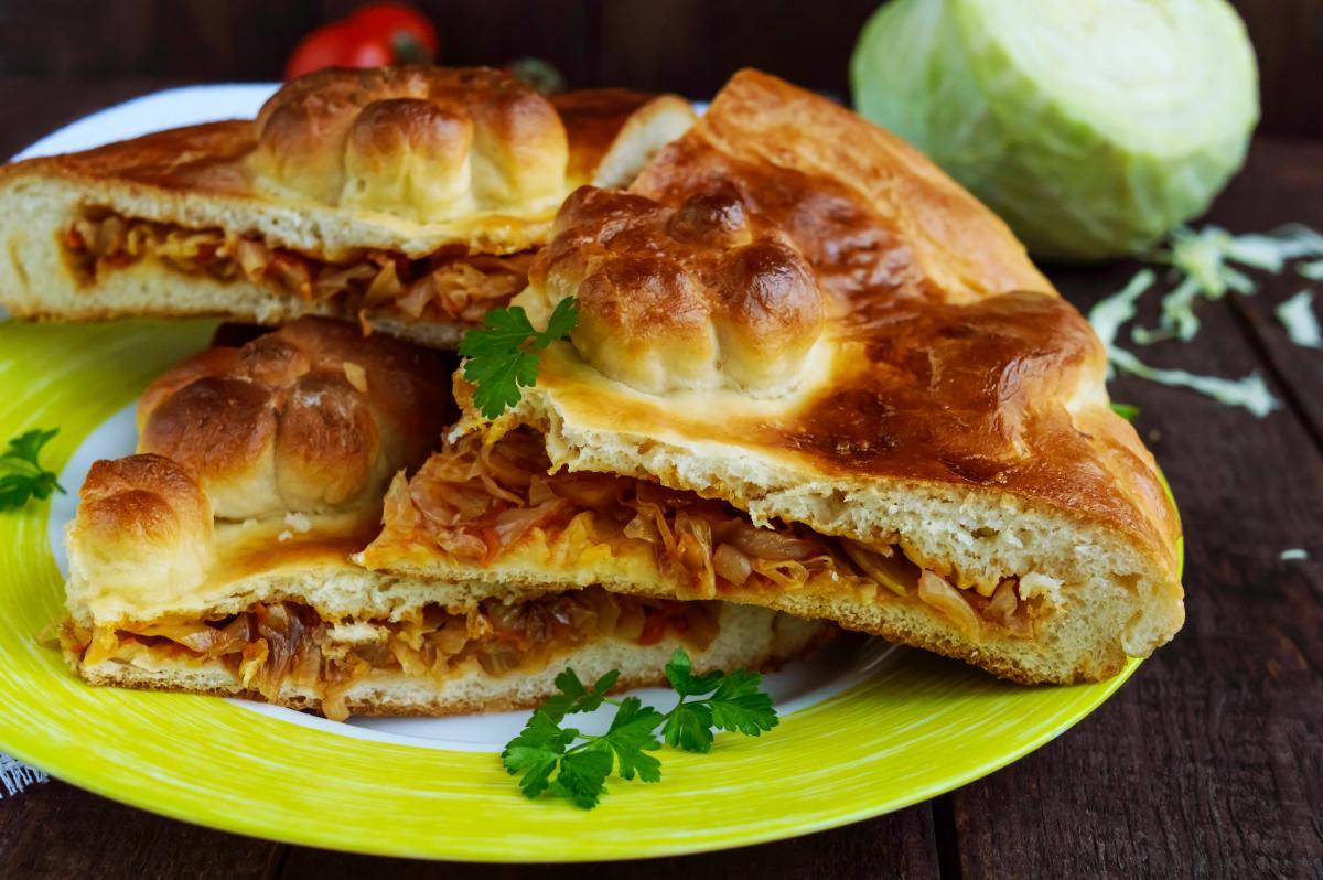 Как приготовить пирог с капустой / фото ua.depositphotos.com