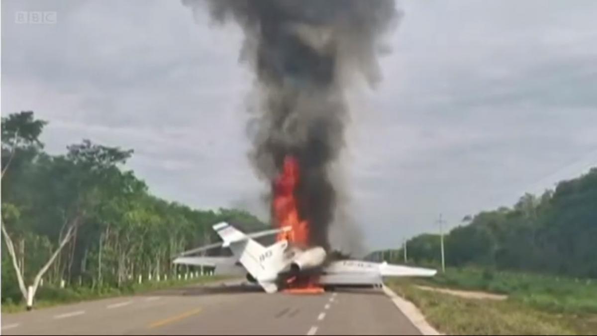 Причини загоряння літака не називаються / скріншот з відео