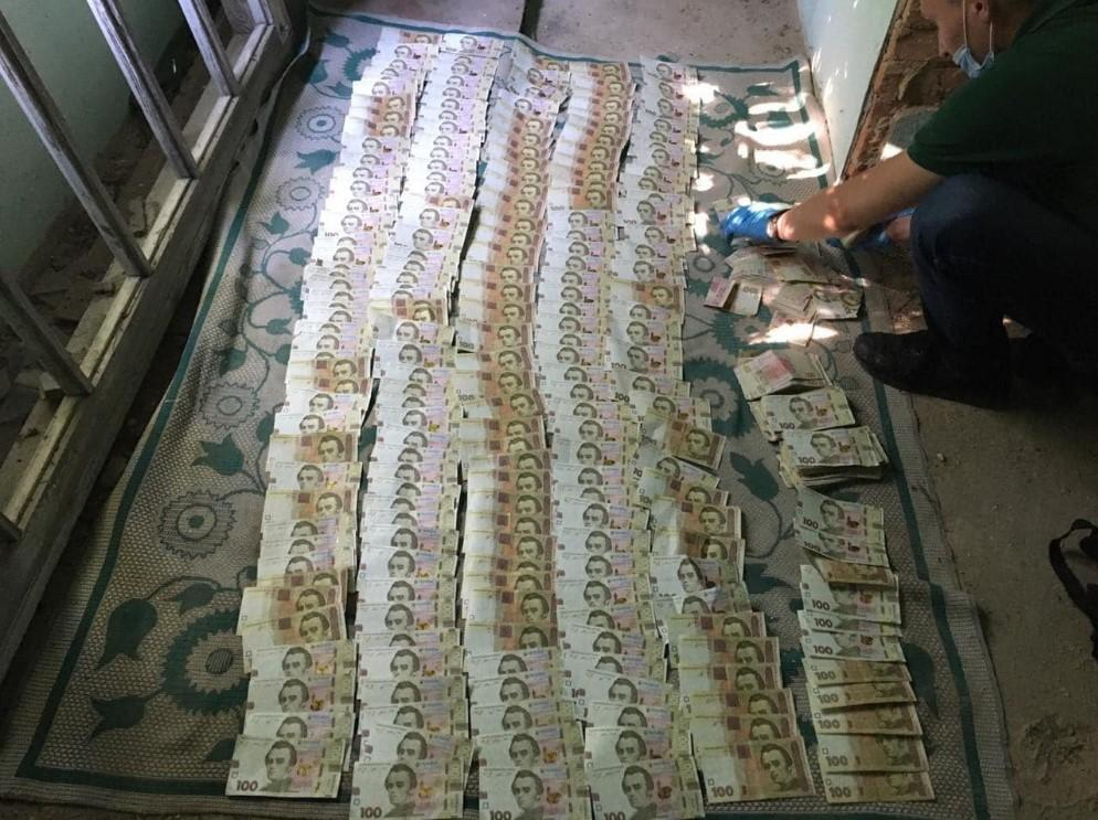 "З машини ""Укрпошти"" викрали понад 2,5 млн гривень / фото Антон Геращенко, Facebook"