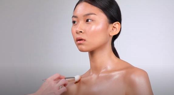 Шиммер для тела / Скриншот YouTube