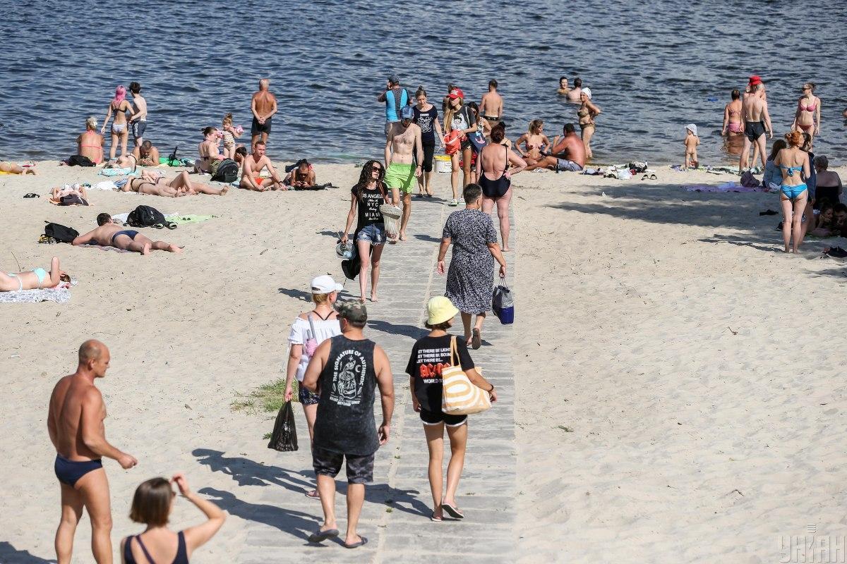На 9 городских пляжах Киева разрешили купание / фото УНИАН