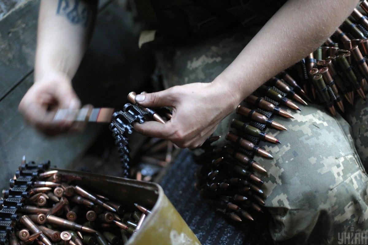 У районі Новотроїцького ворог відкрив вогонь з гранатомета \ фото УНІАН
