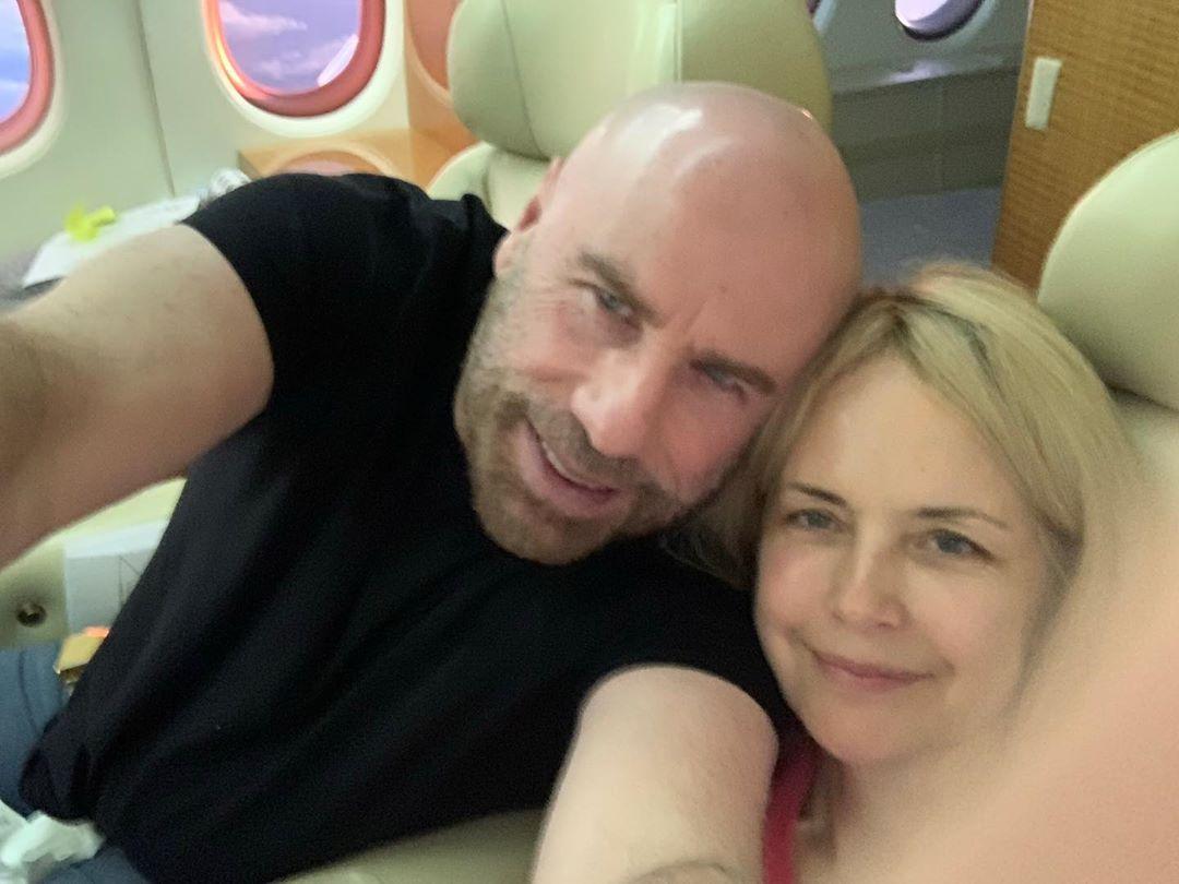 Актер поблагодарил всех, кто был с его женой во время борьбы с болезнью / Instagram Джон Траволта