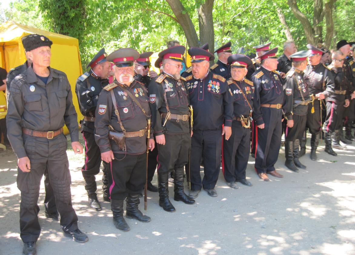 На арене мелитопольского мракобесия появились новые клоуны – так называемые казаки / фото iz.com.ua