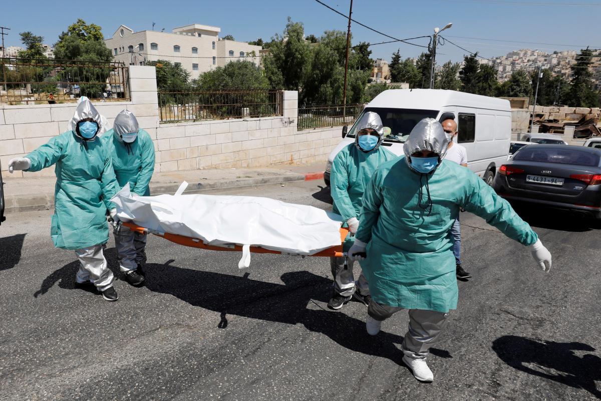 К концу года в мире от коронавируса умрет более 5 млн человек / Reuters