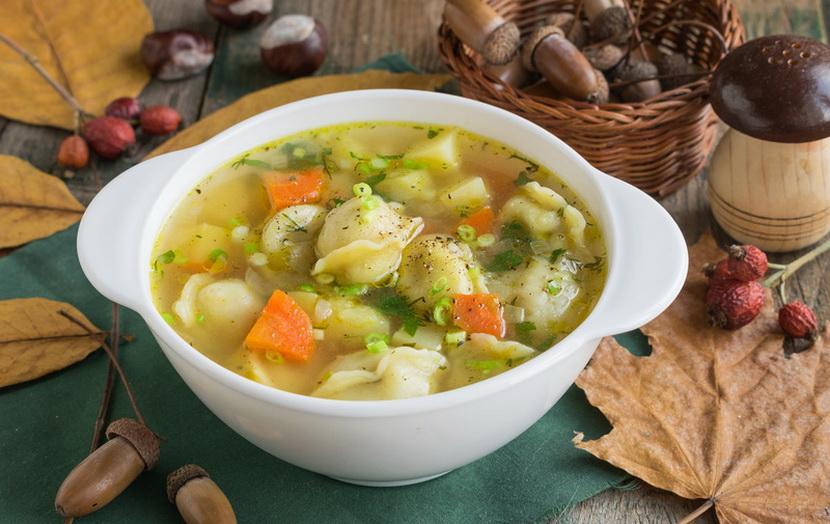 Найсмачніший суп з пельменями / фото eat-me.ru