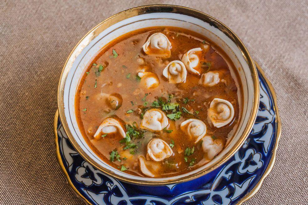 Як приготувати наваристий суп з пельменями / фото elektro.guru