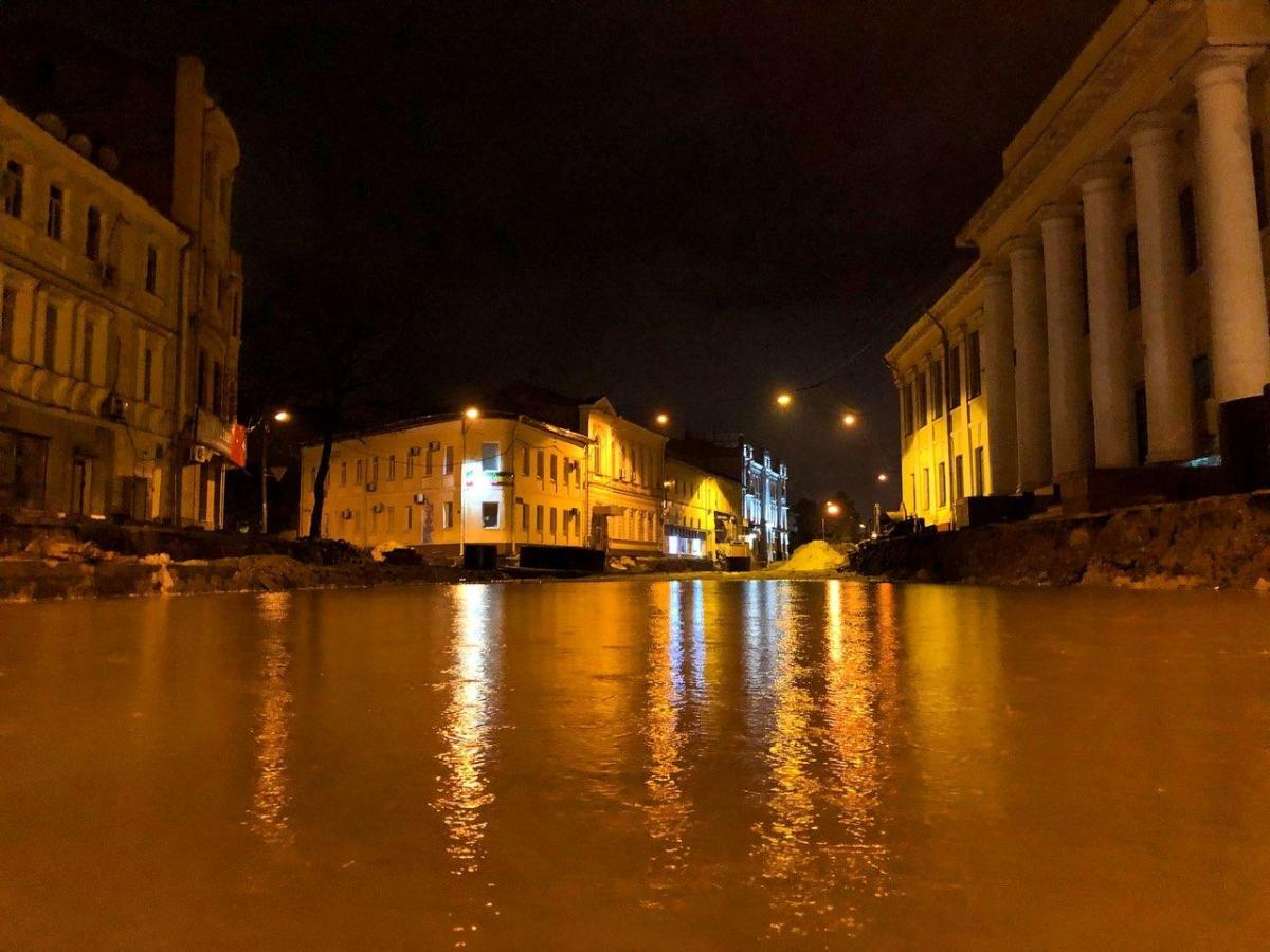 Потужна злива перетворила вулиці Харкова в річки / twitter.com/h_kharkov