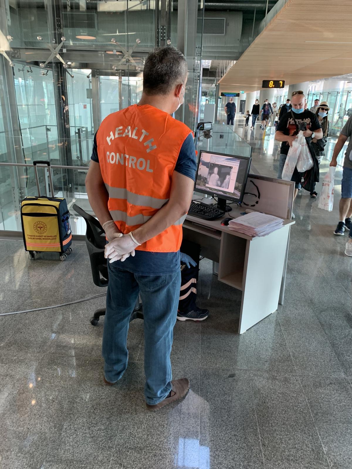 Monitoring of passengers' body temperature at Dalaman Airport