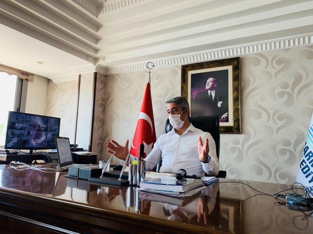 The mayor of the popular resort of Marmaris is proud that all residents and visitors of Turkey are provided with masks and sanitizers. One could visit the mayor's office to get a free mask