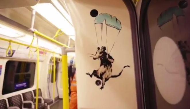 Бенксі розмалював вагон метро / Фото скріншот