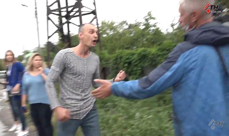 В Харькове напали на журналистов / Скриншот из видео