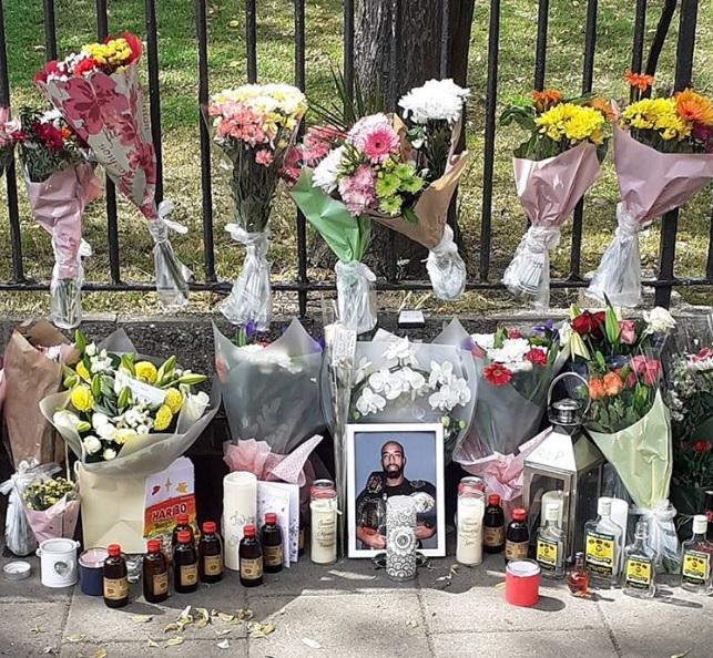 Меморіал на місці вбивства Шеперда / фото instagram.com/alphatalentmanagement