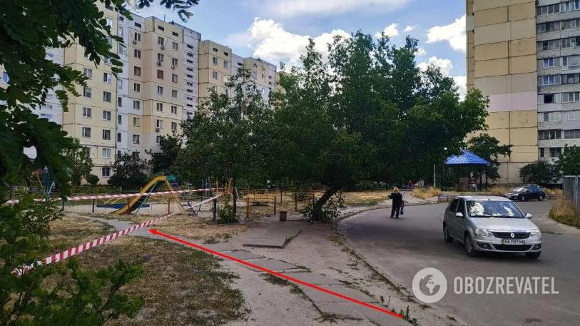 Полковника СБУ нашли случайные прохожие на ул. Иорданской в Киеве / фото Обозреватель