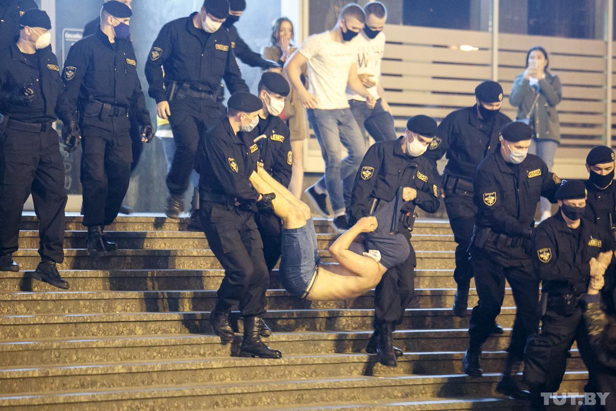 По факту «насилия против правоохранителей» следственный комитет открыл еще два уголовных дела/ Вадим Замировский, TUT.BY