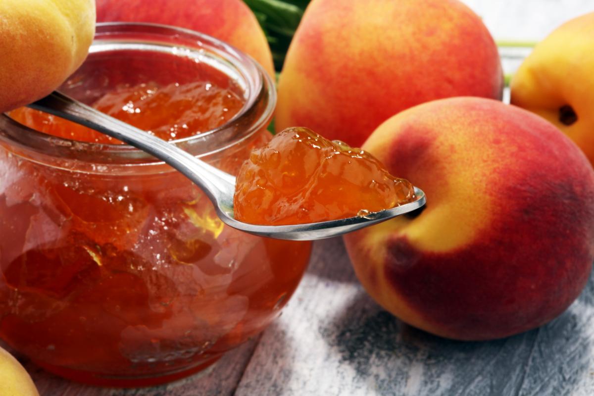 Найсмачніше варення з персиків - рецепт / фото ua.depositphotos.com