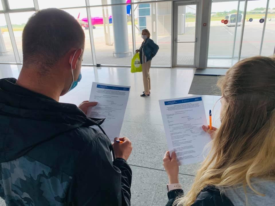 Ковидный паспорт - СМИ узнали, надо ли сертификат вакцинации для выезда за границу/ фото facebook.com/lvivinternationalairport
