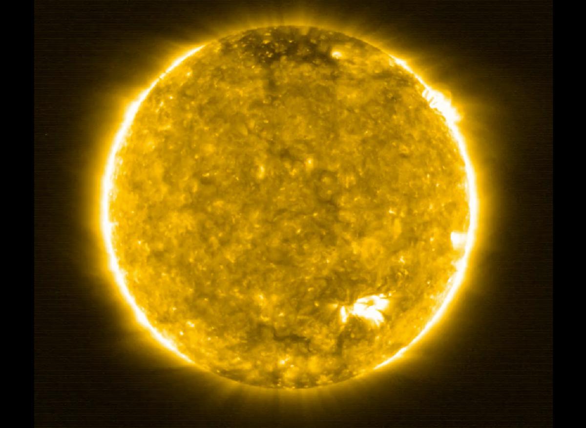 Ученые показали фото Солнца, снятое с самого близкого в истории расстояния / ESA