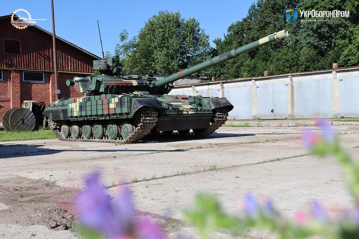 Минобороны получило новую партию танков Т-64 / фото ukroboronprom.com.ua